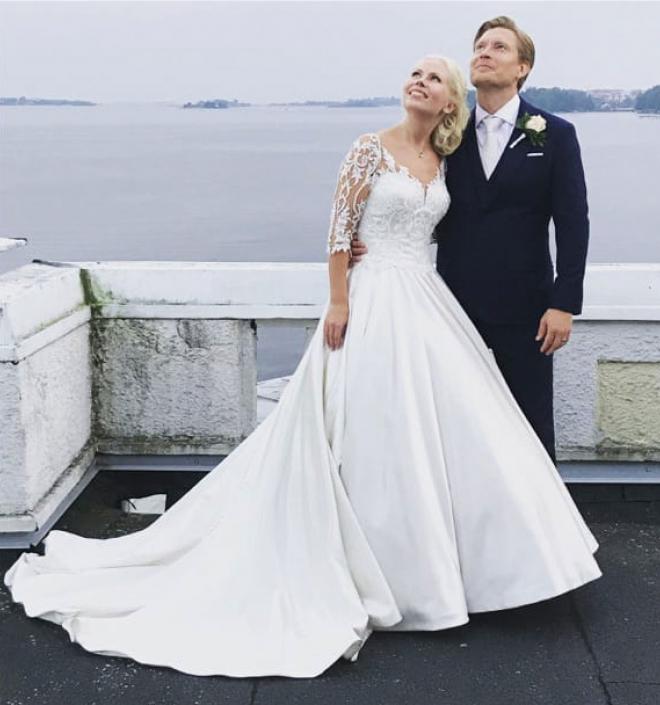 Hääpuku - Ateljee ompelija Sari Hörkkö